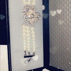 NWT Pearl Bracelet